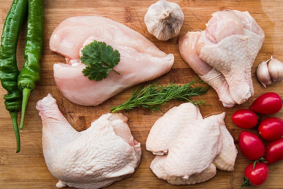 Охлажденное мясо птицы купить в Самаре по низкой цене. Всегда в наличии охлажденная продукция ТМ «Куриное царство», «Петелинка», «Пава-Пава», «Латифа», «Самсон» и др.